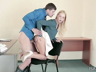 Blonde whore leaves the new guy to pound her pussy during their break