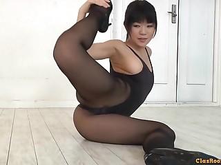 Flexible asian girl hot erotic video