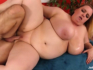 Stunning BBW with huge jugs Nikky Wilder spreads her legs be fitting of hard cocks