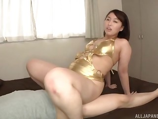 Fat ass Asian wife turns take to be fucked in a muddied pussy