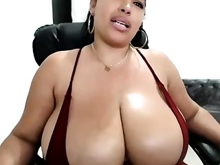 Big boobs masseuse Adrianna Luna works atop fat fat cock