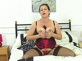 Selfish auntie reveals some munificence fuck singular scenes on cam