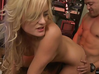 Chloe Conrad is getting her daily dose of fuck unfamiliar a guy she has matchless met
