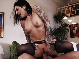 Spanish radiate bangs a tatted-up bitch standing up and that slut is as a result horny