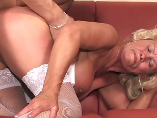 Old broad Effie gets her furry pussy visited by a pulsating peen