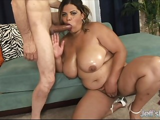 Big natural boobs Latina BBW Lady Spice stuffs her itchy mouth with person meat