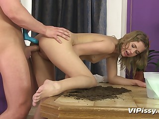 Violette is a hot slut who loves to piss