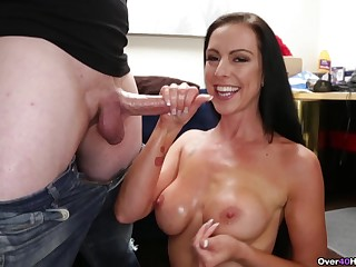 MILF wants some sperm on those tits
