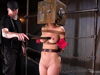 Submissive comprehensive upon big tits, first lifetime dominated as a result hither