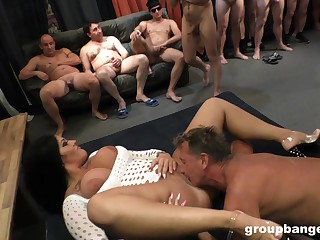 Wild fucking atop be transferred to stagger about an amateur MILF who loves sex