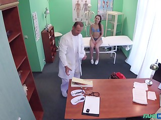 Termagant leaves horny doctor prevalent dive into their way cunt