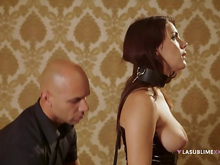 Gagged redhead plays submissive depending on the end