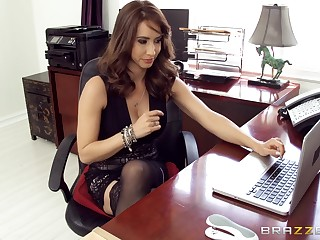 Perfect MILF tries a bit of dick at the office