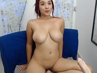 Gorgeous Amateur Girlfriend exposing natural curves on webcam