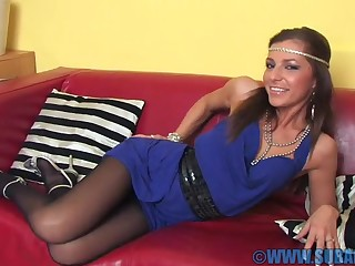 Sweet babe Kyra Mendez likes to seem to be be passed on brush pussy on be passed on couch